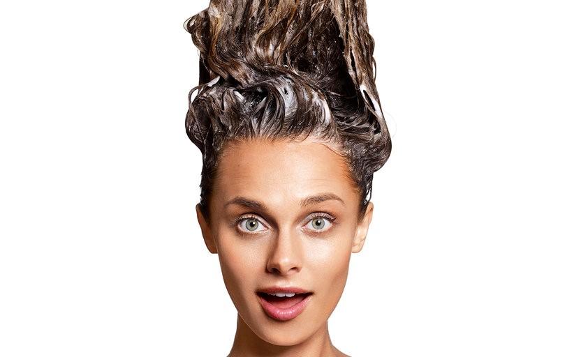 یکی از راههای دیگر مراقبت از موی سر استفادهی صحیح از شامپو است.