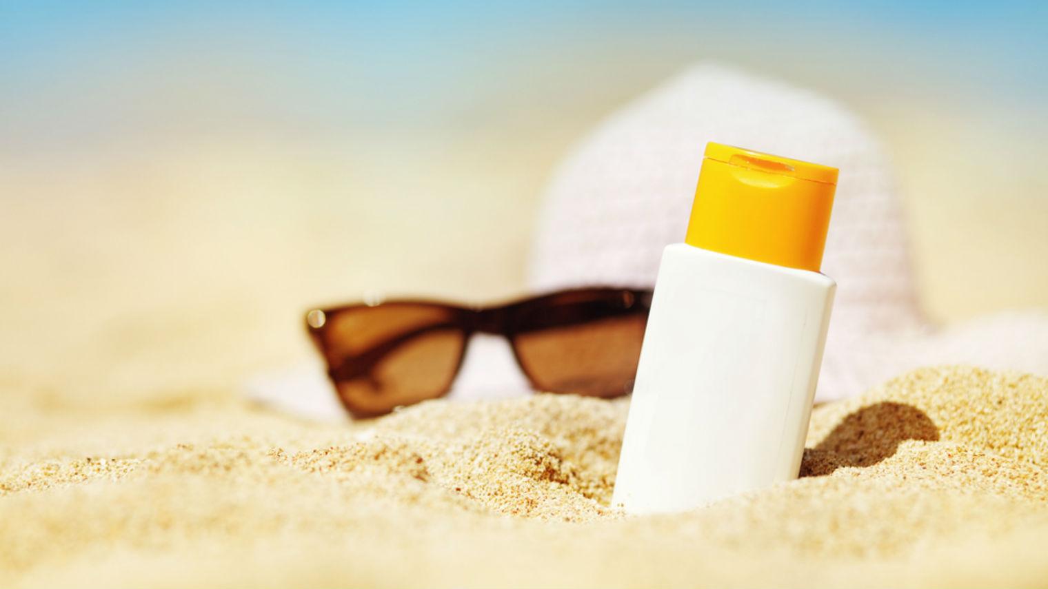 مهمترین رمز جوان ماندن پوست شما، مراقبت از آن در برابر آفتاب است.