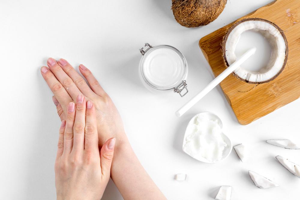 روغن نارگیل برای مراقبت از پوست فواید زیادی دارد