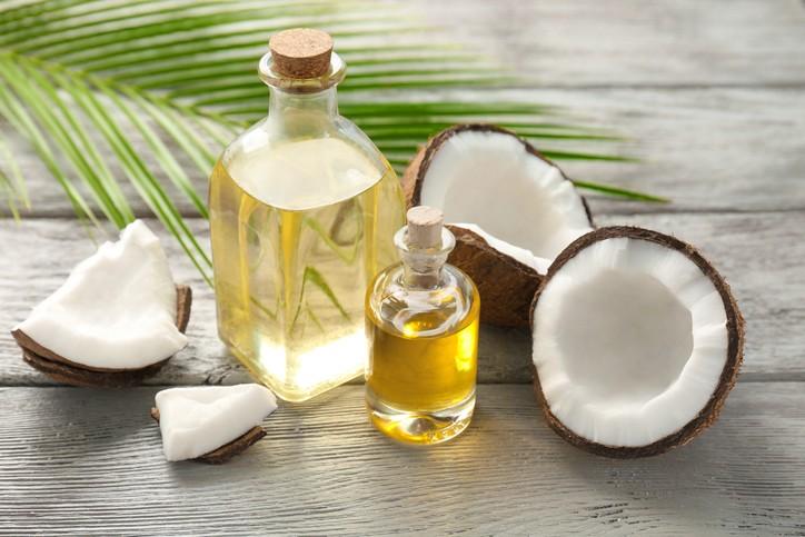 خواص روغن نارگیل برای سلامت و زیبایی پوست و مو فراوان است.
