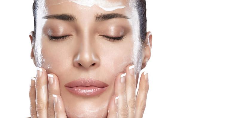 ضد آفتاب رنگی را می توانید بعد از آرایش استفاده کنید
