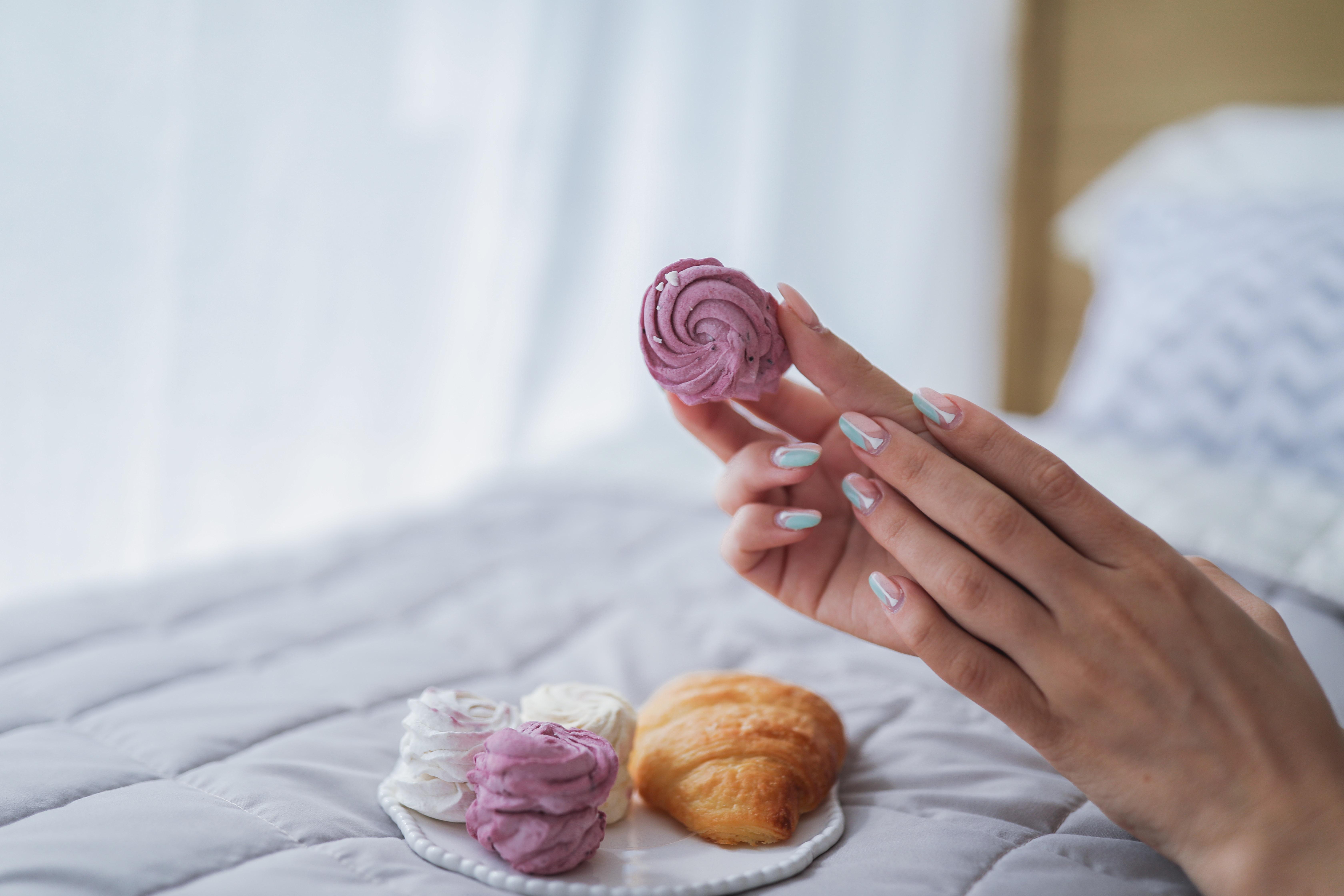 ۸ روش طلایی برای تقویت ناخن های شکننده