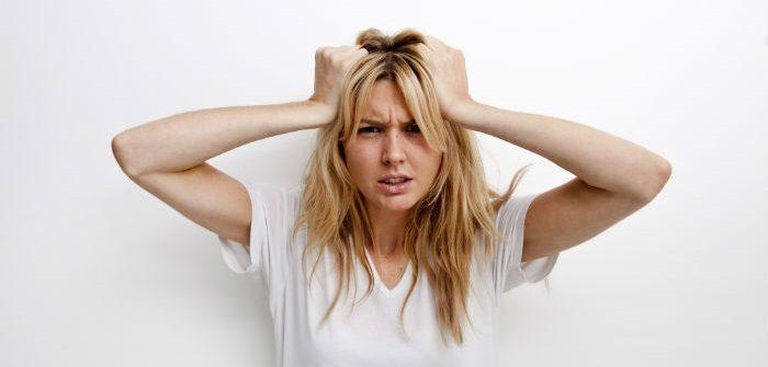 شایع ترین نشانه عفونت قارچی کرم حلقوی خارش بخش هایی از پوست سر است.