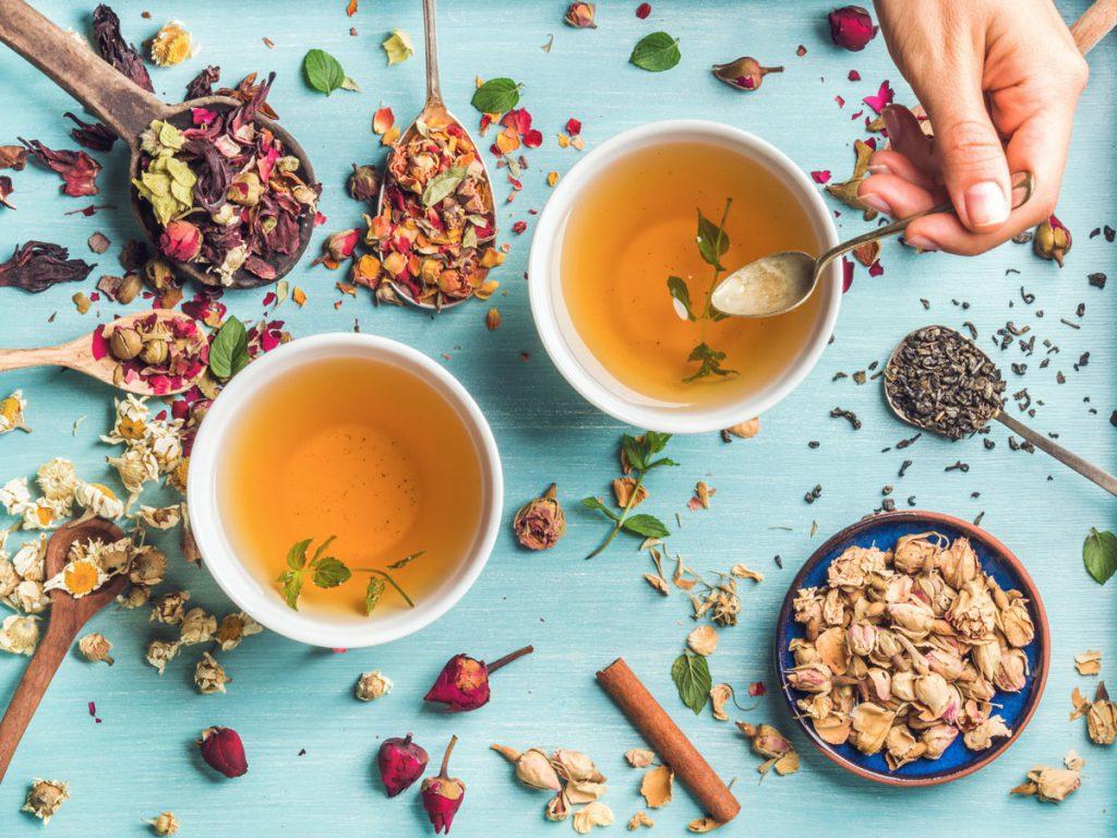 نوشیدن چای گیاهی میتواند به درمان آنفولانزا کمک کندvvدرمان خانگی بدن درد,راه های انتقال آنفولانزا,دوره درمان آنفولانزا جدید,پرتقال برای انفولانزا,پیشگیری از آنفولانزا و سرماخوردگی,درمان آنفولانزا دکتر روازاده,بهترین آنتی بیوتیک برای آنفولانزا