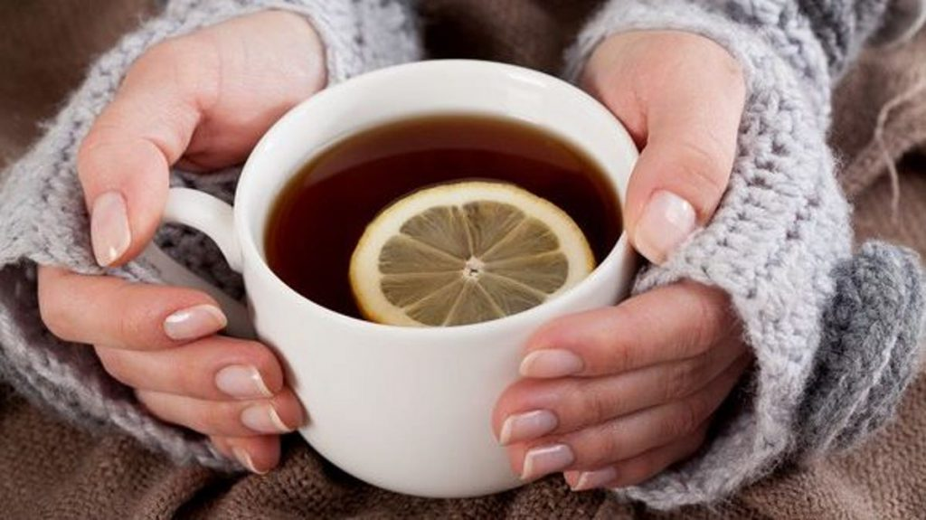 برای درمان آنفولانزا، نوشیدن آب و مایعات را فراموش نکنیددرمان خانگی بدن درد,راه های انتقال آنفولانزا,دوره درمان آنفولانزا جدید,پرتقال برای انفولانزا,پیشگیری از آنفولانزا و سرماخوردگی,درمان آنفولانزا دکتر روازاده,بهترین آنتی بیوتیک برای آنفولانزا