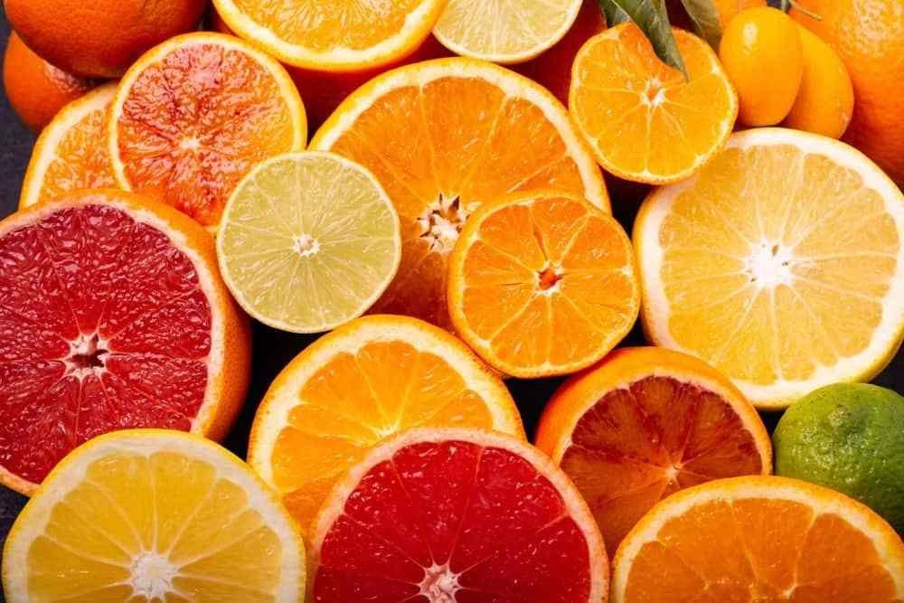 ویتامین C سیستم ایمنی بدن را تقویت می کند.