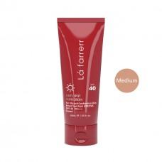 کرم ضد آفتاب و ضد لک رنگی لافارر مخصوص پوست های چرب و مستعد آکنه رنگ متوسط SPF40